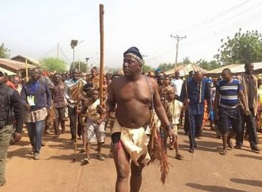 See Dalung appearing half naked in a Plateau cultural festival