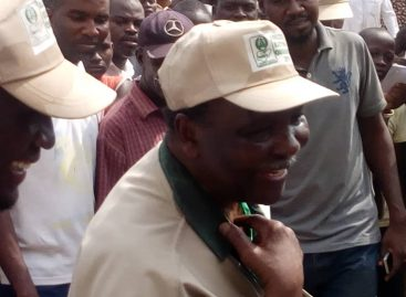 Gowon storms Mararaba polling Unit 008, voters getting agitated over delay