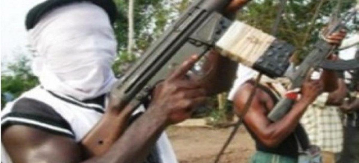 Bandits raid 17 Communities, Kill Five In Niger