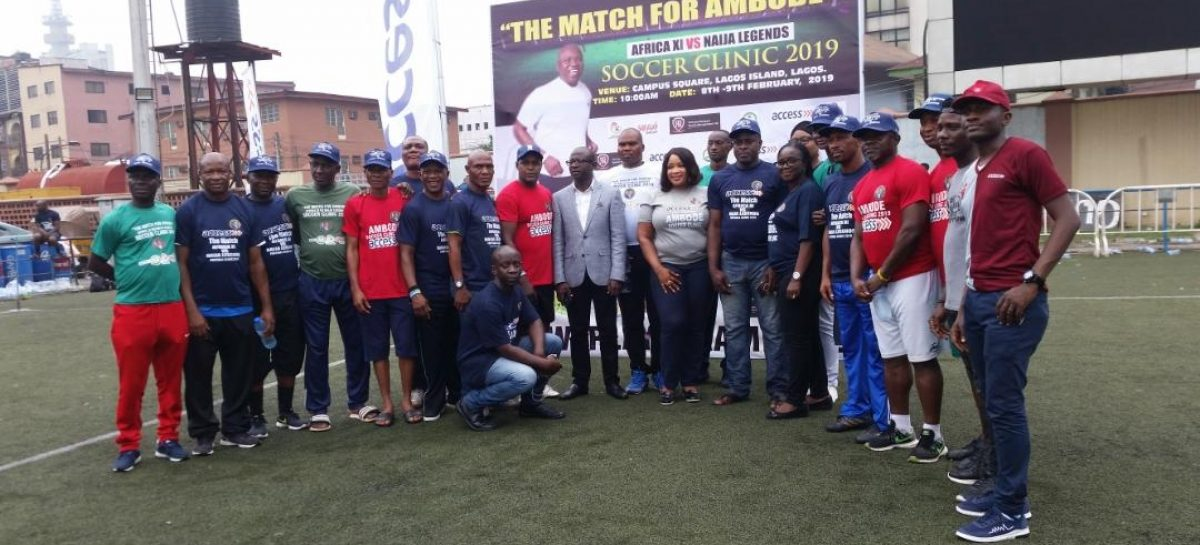 Gov. Ambode poses with former Super Eagles Stars, others in Lagos soccer clinic
