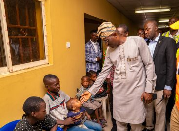 ABULE-EGBA EXPLOSION: SANWO-OLU VISITS VICTIMS AT RELIEF CAMP