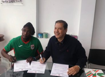 Tunisian top club, Stade Tunisien signs Nigerian young star, Abata Victor