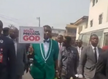 Pastor Adeboye leads protest against insecurity, killing of Christians