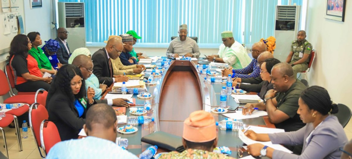 Minister Meets with Ministerial Advisory Committee, Presidents of Federations to 2020 Olympics