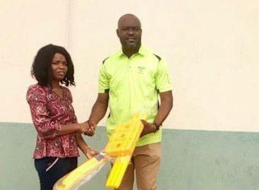 Philanthropist Saad donates Cricket equipment to Girls Aspire