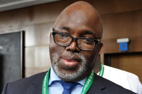 Nigeria Eagles Supporters Club felicitates with Pinnick on FIFA, CAF positions
