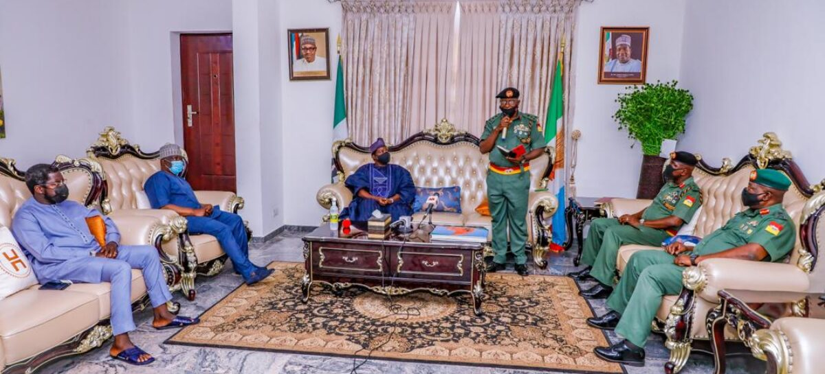NEW AG. GOC 3RD ARMOURED DIVISION VISITS GOVERNOR LALONG